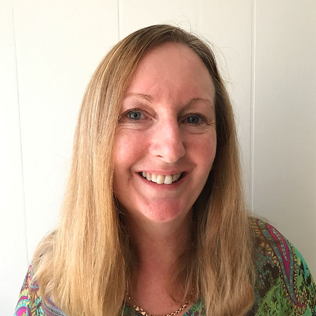 Lyndie Giles